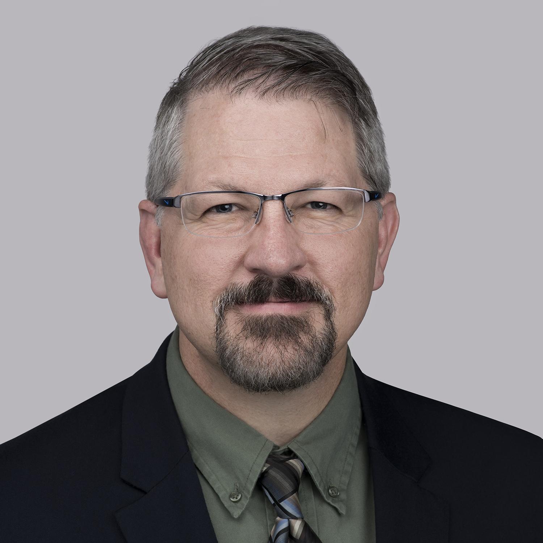 マット・リーチはEssexの世界的なイノベーション部門長であり、この3年間でMagForceX Innovation Centerの立ち上げと監督を行いました。職務が増えていく中、Superior Essexの技術およびオペレーション部門で約25年間働いています。最近では、Essex North Americaのオペレーション部門長を務めていたこともあります。現在は、次世代の技術的課題の波を解決するさまざまな分野にわたる専門家チームの指揮を任されています。ローズハルマン工科大学(Rose-Hulman Institute of Technology)では理学士号、インディアナ大学(Indiana University)ではMBAを取得しました。