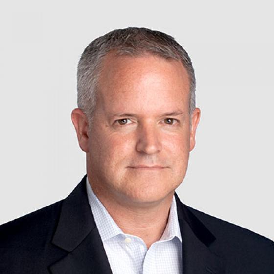 デイビッド・グレイはSuperior Essexの最高財務責任者であり、2年間この役職に就いています。弊社で5年間キャリアを積み、通信/エネルギーケーブル事業部の財務部門長から、20億ドルに相当するグローバルメーカー全体を監督する現在の職位に昇格しました。Essexに入社する前はCooper Bussmanで財務およびITの部門長ならびにDigital Blueで暫定CFOを務め、販売費および一般管理費の30%削減に貢献して、買収を成功させました。ペンシルベニア州立大学(Penn State)で学位を取得し、メリーランド公認会計士協会(Maryland Board of Public Accountancy)では公認会計士に認定され、管理会計協会(Institute of Management Accountants)では公認管理会計士を取得しました。